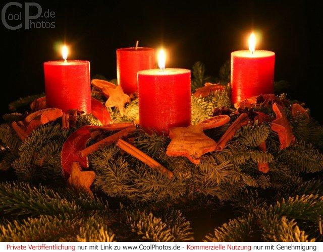 http://www.coolphotos.de/bilder2/08/1202_03034_dritter_advent_kranz.jpg