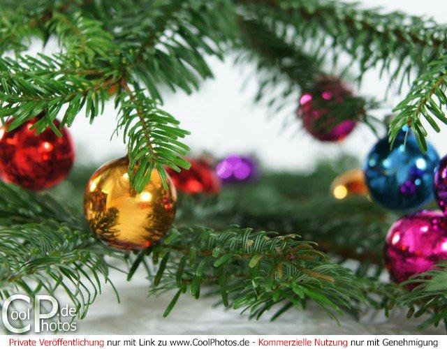 fotos bunte weihnachtskugeln mit. Black Bedroom Furniture Sets. Home Design Ideas