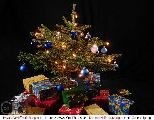 coolphotos.de - fotos - weihnachtsbaum mit geschenken