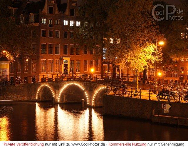 fotos niederlande amsterdam amsterdam bei nacht. Black Bedroom Furniture Sets. Home Design Ideas