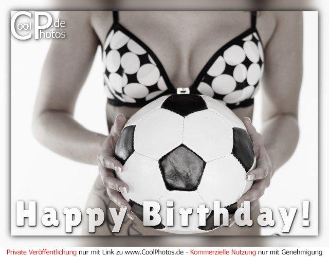 Happy Birthday!  Dieses Motiv ist am 20.03.2017 neu in die Kategorie Geburtstagskarten für Fußballer & Fußballfans aufgenommen worden.