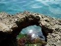 Lichtreflektionen im Wasser der Cala Gran