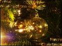 Deutsch und englisch-sprachige Weihnachtskarte mit Weihnachtskugeln als Motiv    Dieses Motiv findet sich seit dem 24. Dezember 2003 in der Kategorie Weihnachtskarten.