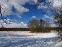 Schneebedecktes Feld oberhalb von Göttingen