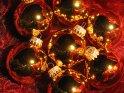 Weihnachtskugeln    Dieses Kartenmotiv wurde am 20. November 2005 neu in die Kategorie Weihnachtsbilder aufgenommen.