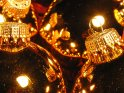 Spiegelungen in Weihnachtsbaumkugeln