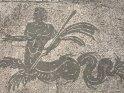 ... Die Mosaike jedoch sind beeindruckend, besonders, weil man darauf ganz normal herumlaufen kann. ...