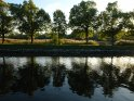 Von Bäumen gesäumter Uferweg von Djurgarden