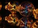 Weihnachtkugeln in denen sich Kerzen spiegeln    Dieses Kartenmotiv ist seit dem 16. November 2007 in der Kategorie Weihnachtsbilder.